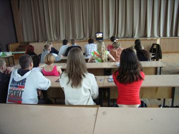 オムスク大学の日本文化講座でのビデオ観賞