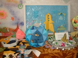 オムスク139学校の折り紙の作品
