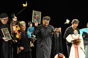 見事、審査員特別賞を受賞(右端、西川さん)
