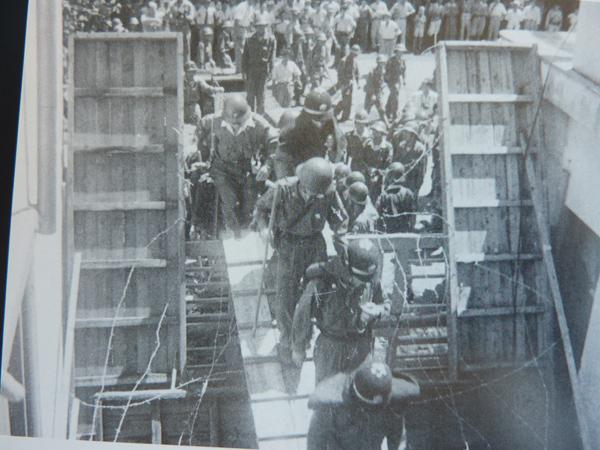 東宝争議の写真(「宮森繁著『東宝争議追想~来なかったのは軍艦だけ』光陽出版社から借用)